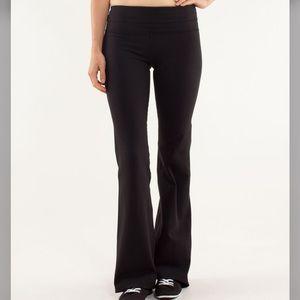 lululemon Groove Yoga Fit Flare Black White Pink Black Waistband Pants 8